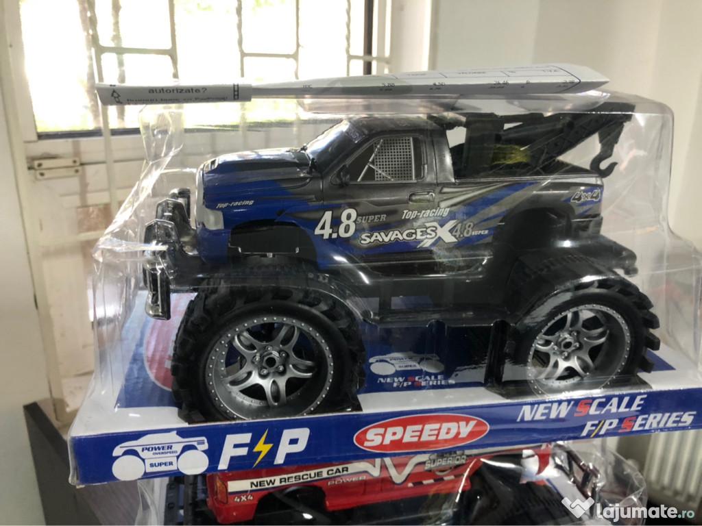 Mașina jucării jeep