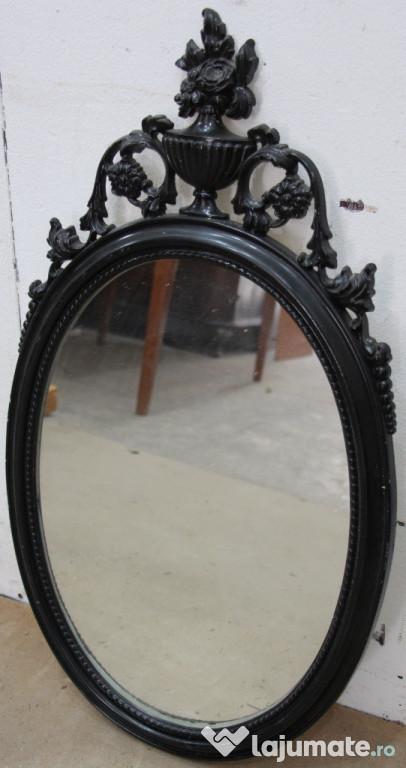 Oglinda vintage ovala; Oglinda cu rama solida din lemn sculp