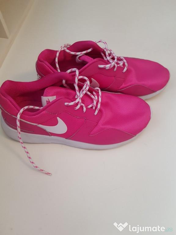 Adidași Nike, damă, roz.