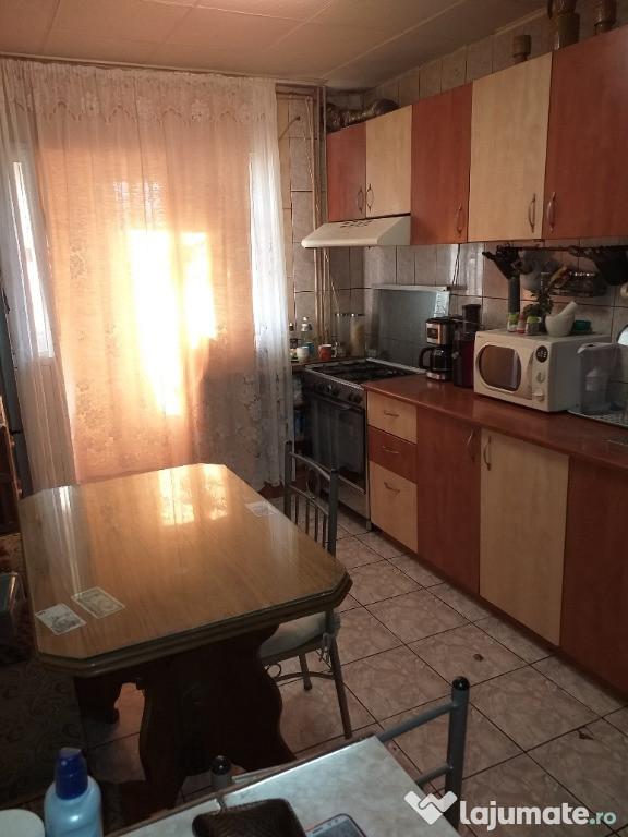 Apartament 4 camere Piata Resita