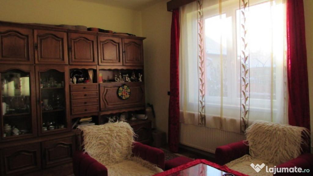 Zona Horea,casa buna din caramida 2 camere in duplex ,teren