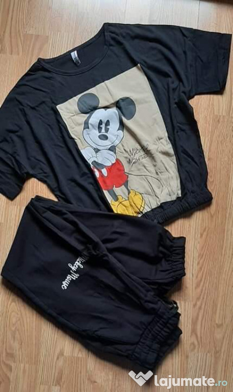 Set format din tricou și pantaloni