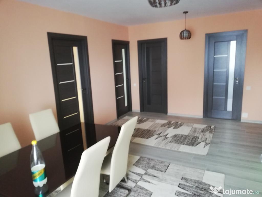 PF închiriez apartament cu trei camere marasti