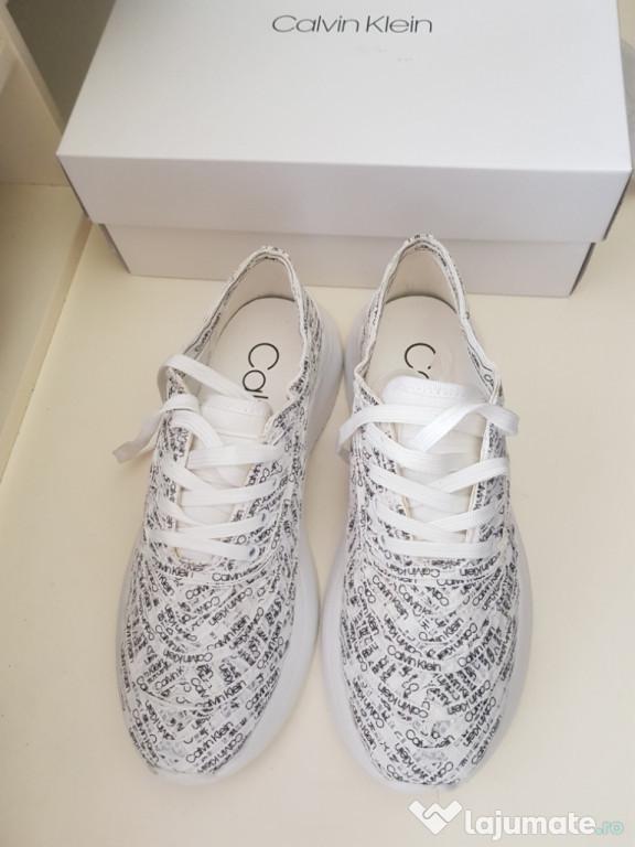 Sneakers/Adidași Calvin Kleine, damă, pânză.
