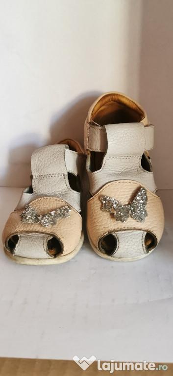 Sandale piele Ariana marime 22