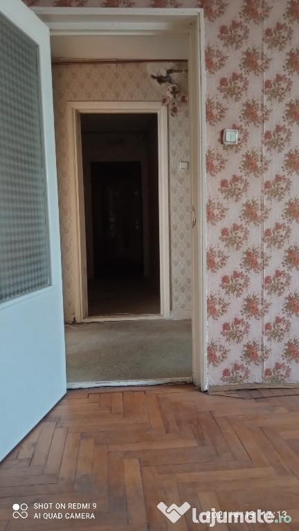 Apartament cu 3 camere etaj 2 lângă profi- dărmănești