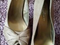 Pantofi catifea cu toc si platforma
