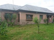 Casa cu mult teren+alt teren Banesti Central