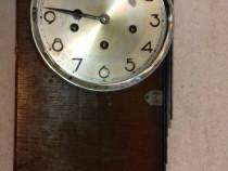 Ceas vechi de perete cu gong S 107
