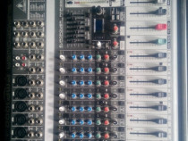 Mixer Behringer Europower PMP
