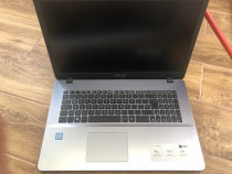 Laptop Asus vivobook 17 i5 8TH ,