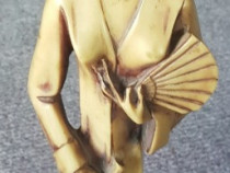 Statueta din material composit greu