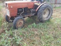 Tractor viticol 445