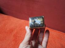 Cadou inedit -Pocket /Pill Box de colectie ,capac cu 3pisici