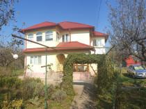 Casa in Campina,P+E,5 camere,3 bai,an 2009,teren 2766 mp