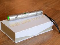 Laser pointer profesional 10000mw nou !