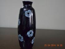 Vaza cu flori bleu