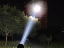 Lanterna Led Cree profesională 8800Watti Cu 2 Acumulatori