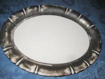 101- Platou mare ceramica cu bordura groasa argintata.