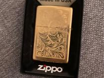 Zippo cu design de aur COMBO