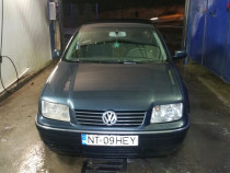 Volkswagen bora 1,6 benzina