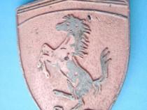 4853-Medalia SF Ferrari metal bronzuit. Marimi 4/3 cm.