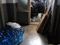 Debarasari incaperi : demolez magazii , eliberez apartamente