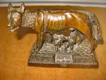 B808-Statuieta veche Lupoaica cu Pui-Roma metal bronzuit.