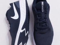Nike Revolution 5 unisex, nr 38, 5 running, gen Puma Adidas