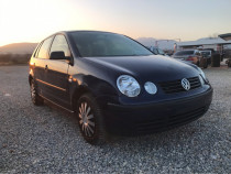 Ve polo 1.2 benzina an 2004 clima 151000 km geam electric