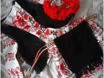 Costum national-traditional lucrat manual la comanda
