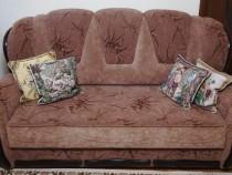 Canapea trei locuri, extensibila si doua fotolii