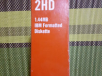 Dischete floppy 3.5 formatate 2HD , noi , cutie sigilate