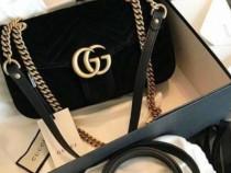 Geantă Gucci catifea,logo auriu/Italia