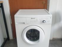 Masina de spălat rufe Bauknecht.
