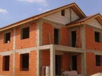 Firma executam constructii de case si hale industriale
