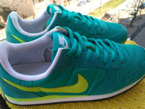 Adidasi, unisex Nike, mar 40 (25.5 cm), made in Vietnam.