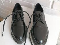 Pantofi ZARA lacuiti, cu siret, stil Oxford, marime 35