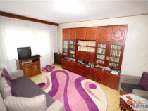 Apartament 2 camere, etaj 1 garaj, zona Comisia Centrala