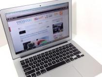 """Macbook Air 13"""" mid 2013 4 gb Ram, 128 gb SSD"""