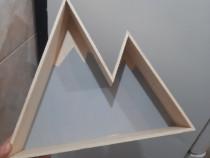Raft de perete din lemn în formă de munți