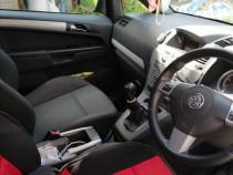 Dezmembrez Opel Zafira B