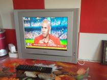 TV lcd 37 cm = rulota sau bucatarie.