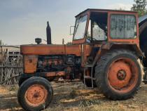 Tractor u650 si tocatoare porumb siloz