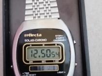 Reflecta ceas electronic.