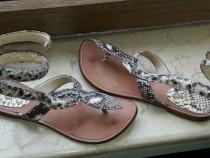 Sandale romane din piele de sarpe