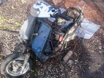 Dezmembrez sau se da intreg moped Piaggio Zip50