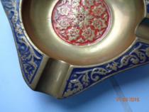 Scrumieră bronz pictată, India
