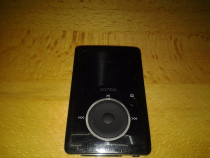 SanDisk Sansa Fuze 4 GB Video MP3 Player (Black)