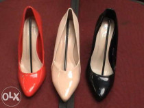 Pantofi cu toc inalt / Pantofii stiletto